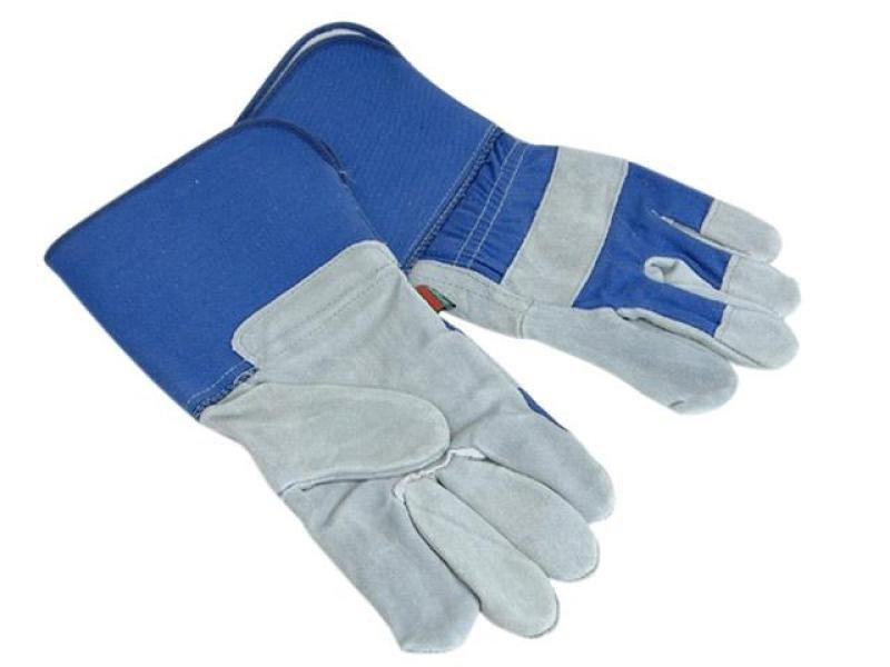 town-amp-country-heavy-duty-gauntlet-gardening-gloves