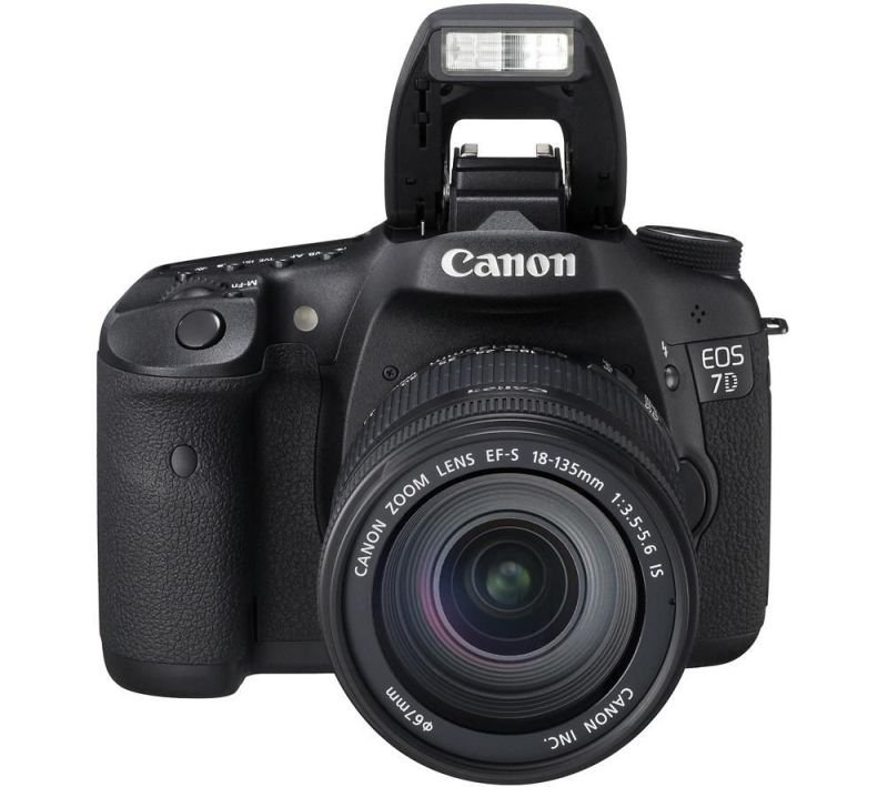 Canon EOS 7D Digital SLR Camera  Kit
