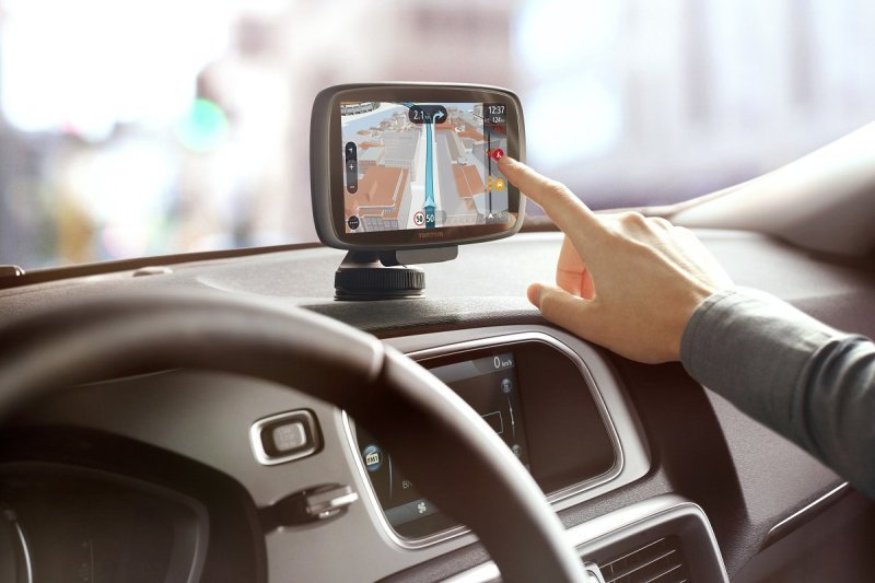TomTom GO 610 6 inch Sat Nav with Live Traffic and World Maps