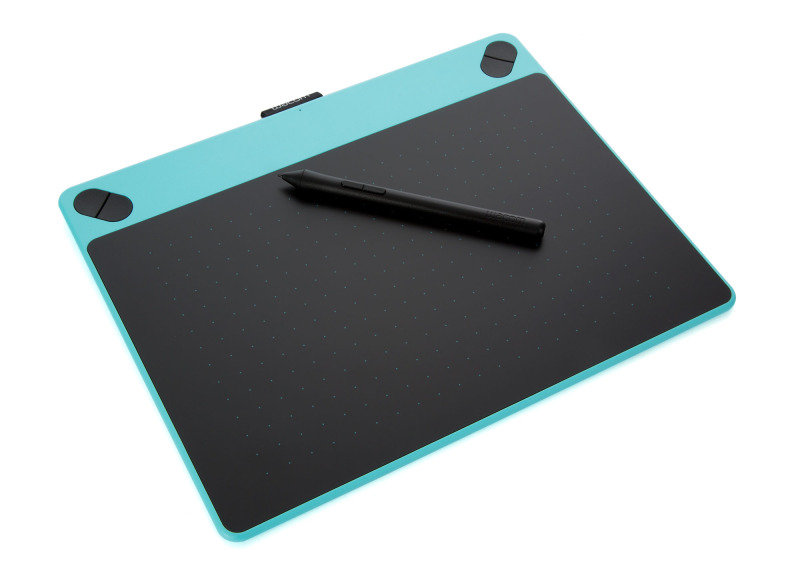 Intuos Art Pen & Touch Medium Graphics Tablet Mint Blue