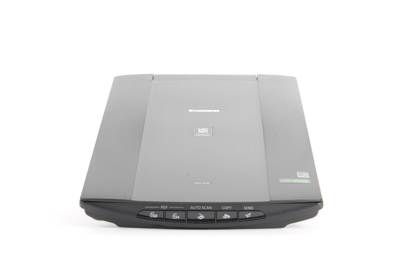 Canon CanoScan LiDE 220 Flatbed Scanner